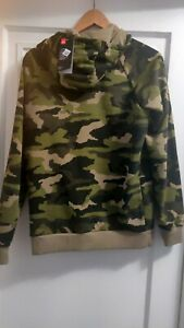 Mens Camo Under Armour Hoodie Size small $32.00