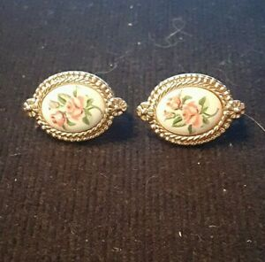 Vintage Signed Avon Gold Tone Clip On Earrings $5.00