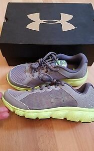 New Under Armour MICRO G Assert 6 Boys Sz 11K 11   5Y 5 Gray Green Shoes