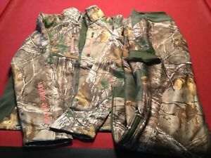 UNDER ARMOUR SCENT CONTROL LADIES CAMO HUNTING PANTS & JACKET IN SIZE L