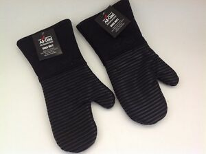 New Set of Two All Clad Silicone Heavy Cotton Washable Oven Mitts Black