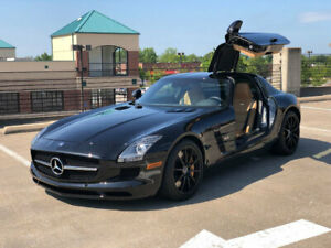 2011 Mercedes-Benz SLS AMG Mercedes-Benz SLS 2011 Mercedes-Benz SLS AMG Gullwing Doors Obsidian Black Low Miles 2 dr Coupe Au