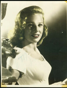 JUNE ALLYSON-8X10 AUTOGRAPHED-SIGNED PROMO PHOTO FN