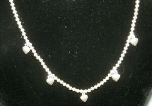 VINTAGE STERLING SILVER 925 ITALY BEAD NECKLACE WITH 5 PUFFY HEARTS
