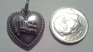 VINTAGE STERLING SILVER PUFF PUFFED HEART USA FLAG ENAMEL CHARM