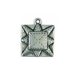 QUILTING SQUARE FINE PEWTER CHARM PENDANT 19mm x 16mm x 3mm $0.99