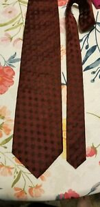 Donna Karan mens red tie with darker shade squares $5.99