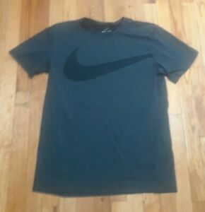 Nike dry fit shirt Mens T Shirt Size M $13.99