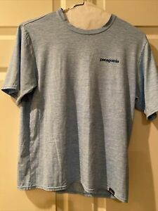 Patagonia Men's Blue Dry Fit Shirt Size Small $12.00