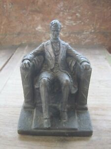 One 1971 AUSTIN quot;Abraham Lincolnquot; Book End Weighs 4.10 lbs. Made of ?? $18.00