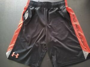 Boys Under Armour Shorts Youth Boys Medium 10 12 Black Red Pockets Adjustable $6.99