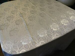 STUNNING WEDDING WHITE POLY FLORAL 60 X 102 TABLECLOTH CABBAGE ROSES $12.00
