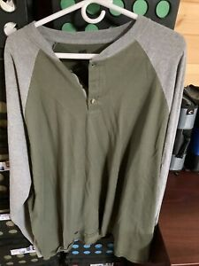 Mens Used Hanes Beefy 3xl Green and Grey Henley Shirt