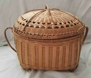 antique sewing basket with handles $30.00