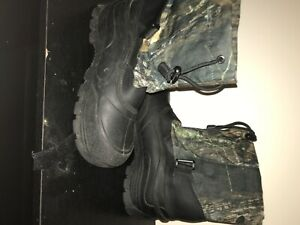 Black and camo Game winner Snow boots $25 $30