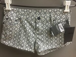 Hurley Nike DRI-FIT Women's Shorts Black & White Size 24 DF PRINTED 5PKT BR