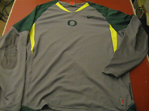 Oregon Ducks Nike Team issue gray & green FIT DRY X Large performance gear