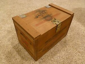Vintage Winchester Western Wooden Ammo Box w Lid Winchester promo very nice