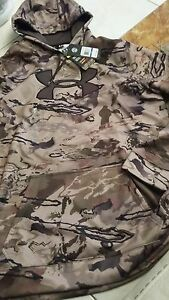 Mens NWT $79 UNDER ARMOUR hoodie size XLT loose fit camoflauge