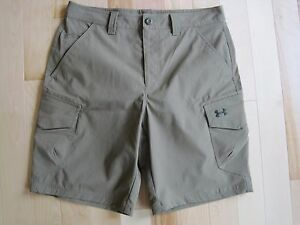 NWOT Under Armour Size 34 Green Flat Front Casual Golf Shorts