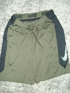 EUC  NIKE Training SHORTS Men  Size XL  *Dri-Fit Dark Green black  GREAT