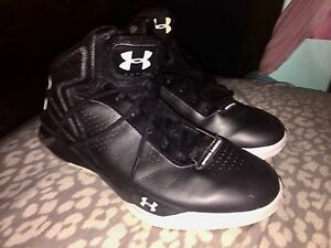 Womens Under Armour Micro G Torch Basketball Shoes. Size 8. Good Condition!!!