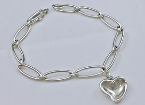 TIFFANY & CO Peretti Silver Oval Link Chain Carved Heart Charm Bracelet 7.5