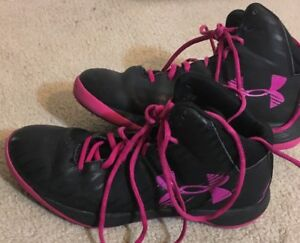 Under Armour Women's Size 9 Jet Basketball Shoes Black and Pink