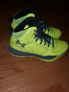 Boys Under Armour Size 4Y Sneakers