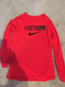 Nike FOOTBALL Dry Fit Red T-Shirt Long Sleeve Boys Size Youth Extra Large XL