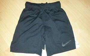 Boys Nike Dry Fit Shorts Size Xs 6-8 yrs BlackWhite Length 14'' 2 POCKETS