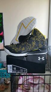 NEW Under Armour UA Curry 1 One Steph AWAY Black Taxi 1258723-001 MEN SIZE 11