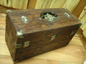 OLD VINTAGE RARE WOOD FISHING LURE TACKLE BOX FOR YOUR FISHING LURES WOOD BOX
