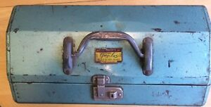 Vintage Grip-Loc metal tackle box full of lures tons of extras