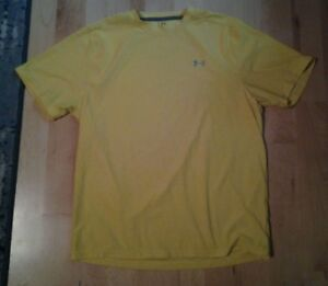 Mens Under Armour heatgear athletic t shirt yellow size Medium