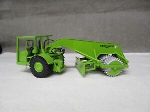 RR Models Euclid Southwest 454 Sheepfoot 3 drum compactor w blade 1:50 SP2