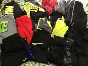 Boys 18 Pc Huge Lot Nike Under Armour Xersion Size SM 810 Pants Hoodies Shirts