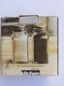 CIRCLEWARE Yorkshire 2.87 oz Salt & Pepper Shaker Set NEW in BOX w/ FREE SHIPPNG