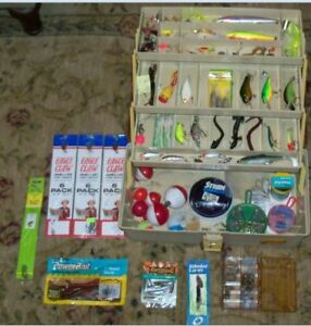 PLANO 6303 FISHING TACKLE BOX LOADED WITH MANY LURES  SUPPLIES