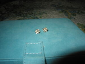 Diamond Flower Cluster 14K YG Earrings. .65 CTW. Very Sparkly!