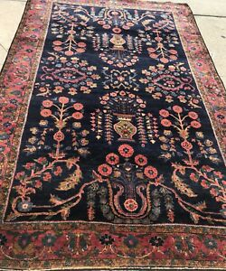 AN ANTIQUE VINTAGE DESIGN SAROUK MOHAGERAN PERSIAN RUG