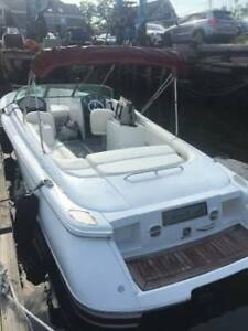 2001 Chris craft 25 launch 2011 Volvo mpi engine package new canvas  upholstery
