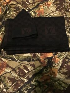 LOUIS VUITTON PETIT DAMIER SCARF NM AND HAT BROWN WOOL WINTER BEANIE