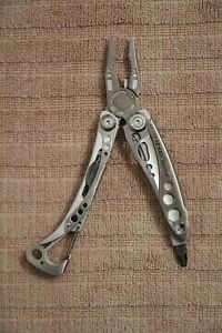 Leatherman SkeleTool 7-in-1 Stainless Steel Multi-Tool Pocket Knife