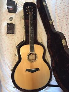 Taylor guitar GS8 with LR Baggs pickup and LR Baggs Para-acoustic DI box
