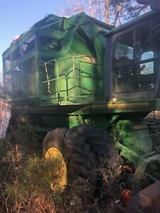 John Deere 7455 Cotton Stripper