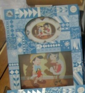 Disney Store Pinocchio Artist Series Sketchbook Ornament & Lithograph Set