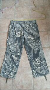 Camo cargo pants Pre owned silent and soft.  38x31