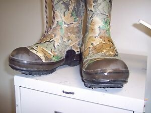 DUCK UNLIMITED SIZE 8 STEEL SHANK RUBBER HUNTING BOOTS BY ROCKY SCENT FREE BS