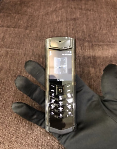 Vertu Signature S Design - Clous De Paris Black (Unlocked) Cellular Phone
